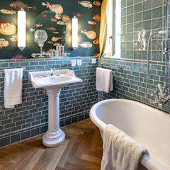 من Traditional Bathrooms GmbH كلاسيكي