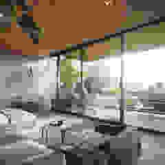 Don Hotel Casas modernas: Ideas, imágenes y decoración de T + T arquitectos Moderno