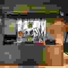 마담주| Retail by 므나 디자인 스튜디오 인더스트리얼