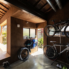 Sukima House من 山本嘉寛建築設計事務所 YYAA حداثي أسمنت