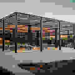 Locais de eventos minimalistas por HC Arquitecto Minimalista Ferro/Aço