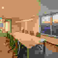 브랜드칸 E 사무실 인테리어 리모델링 by studio FOAM 모던