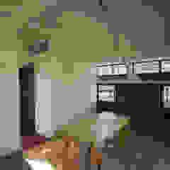 by arquitectura oficio spa Rustic