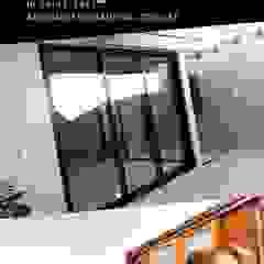 by Adriano Esquadrias Classic Aluminium/Zinc