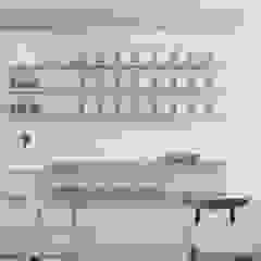 Gastronomie minimaliste par TIKA DESIGN Minimaliste