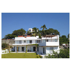 Sea facing fassade house zlo... AWA arquitectos Mediterranean style houses Bricks White