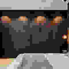 Villa aan de rand van het bos Moderne slaapkamers van Jolanda Knook interieurvormgeving Modern