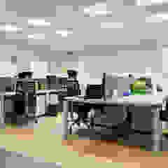Confiez-nous vos projets professionnels ! Espaces de bureaux modernes par Alterego Design Moderne