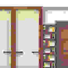 Minimalist offices & stores by tanushree Agarwal Designs Minimalist