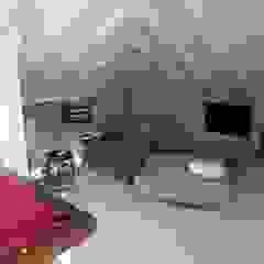 por Estudio Dillon Terzaghi Arquitectura - Pilar Mediterrâneo Madeira Efeito de madeira