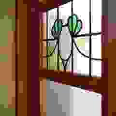 Puertas eclécticas de 池田デザイン室(一級建築士事務所) Ecléctico