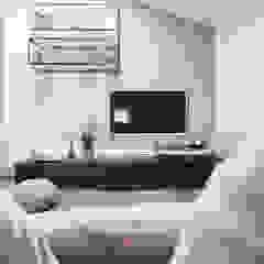 VILLA COCCHI Sala multimediale minimalista di Rachele Biancalani Studio Minimalista