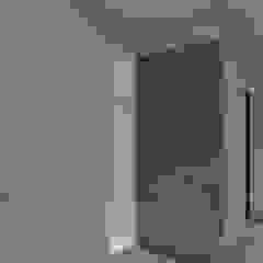 CASA BG Pasillos, vestíbulos y escaleras minimalistas de ARBOL Arquitectos Minimalista