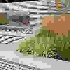 Medium garden design من Jonathan Mark Garden Design حداثي خشب Wood effect
