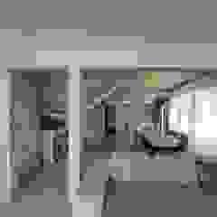 من Holzhaus Archiline حداثي خشب Wood effect