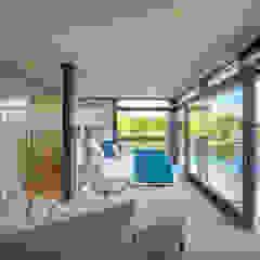 HUF Haus MODUM Flachdach Moderne Schlafzimmer von HUF HAUS GmbH u. Co. KG Modern