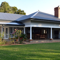 House Irene Estate, Pretoria Modern houses by Nuclei Lifestyle Design Modern