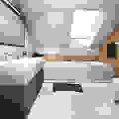 Projekt wnętrza domu jednorodzinnego, Częstochowa Industrialna łazienka od IN studio projektowania wnętrz Industrialny
