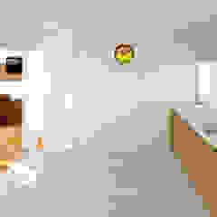 by arQmonia estudio, Arquitectos de interior, Asturias Мінімалістичний