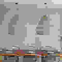 Salas de jantar tropicais por Blue Sky Tropical Betão