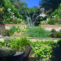 Town Garden in Guildford Eclectic style garden by 1 to one garden design Eclectic