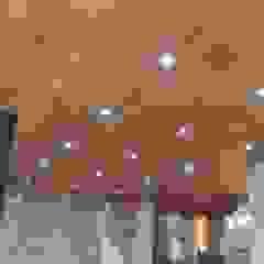 od BLAUE MINZE Kolonialny Drewno O efekcie drewna