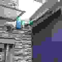 من Puertas Automáticas JDoors حداثي الحديد / الصلب