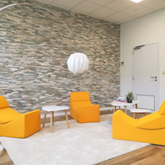 Innovation Lab - Tractebel Espaces de bureaux modernes par Charlotte Liénard - Architecte d'Intérieur Moderne Pierre