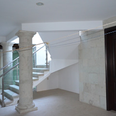 by Variable Colonial Stone