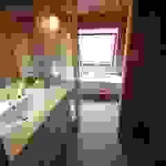 SIMPLE STYLE 北欧スタイルの お風呂・バスルーム の 株式会社高野設計工房 北欧