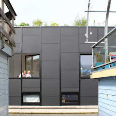 Julius Taminiau Architects Prefabricated home Wood Black