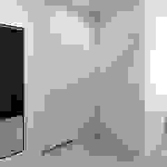 Mieszkanie w Słubicach Minimalistyczny korytarz, przedpokój i schody od 365 Stopni Minimalistyczny