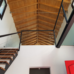 Country style corridor, hallway& stairs by MGR Arquitectura Country