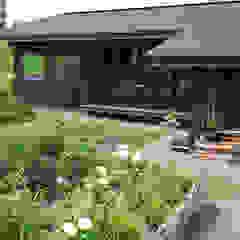 by 家と草木のアトリエ hausgras ハウスグラス Asian لکڑی Wood effect
