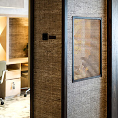 Banyan Workspace Tropical style offices & stores by S.Lo Studio Tropical Wood Wood effect