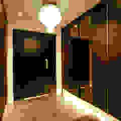 Couloir, entrée, escaliers modernes par Design Daroom 디자인다룸 Moderne