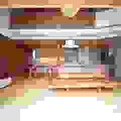 Ruang Keluarga Gaya Skandinavia Oleh 株式会社高野設計工房 Skandinavia