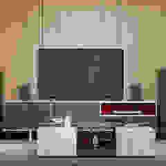 Phòng giải trí phong cách công nghiệp bởi Interior designers Pavel and Svetlana Alekseeva Công nghiệp