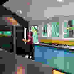 Moderne Küchen von KUBE Architecture Modern