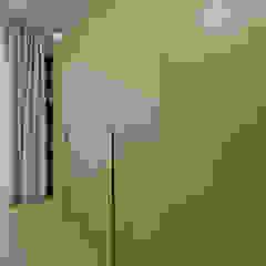 PROJEKT DOMU W STYLU EKLEKTYCZNYM Eklektyczna sypialnia od Piotr Stolarek Projektowanie Wnętrz Eklektyczny