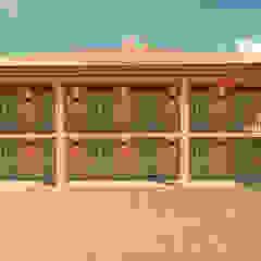 Śródziemnomorskie domy od Elaine Hormann Architecture Śródziemnomorski