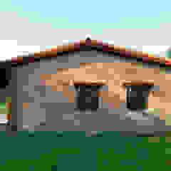 by QCASA.Madrid. Viviendas industrializadas eficientes de hormigón Rustic Concrete