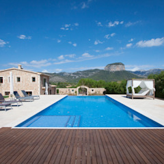 by ESTUDI 353 ARQUITECTES SLPU Mediterranean Tiles