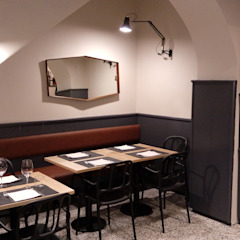 Classic offices & stores by Manrico Mazzoli Architetto Classic