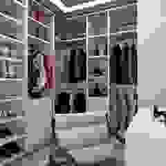 Ruang Ganti Modern Oleh MILWARD ARQUITETURA Modern