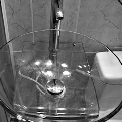 BP Design Minimalist style bathroom