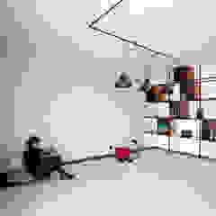 Apartamento EL.P Salas de estar industriais por IN-PROOV Industrial