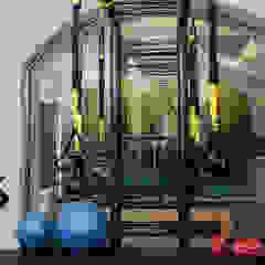 Centro Fitness Palestra in stile moderno di kuluridis Moderno