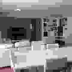 Apartamento moderno em tons neutros Salas de jantar escandinavas por NEUSA MORO Escandinavo