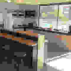 Kitchenette de Entorno Estudios Moderno Contrachapado